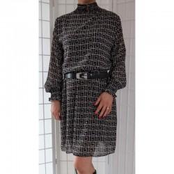 Šifonové šaty se vzorem