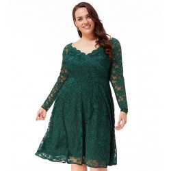 Krajkové šaty pro plnoštíhlé zelené